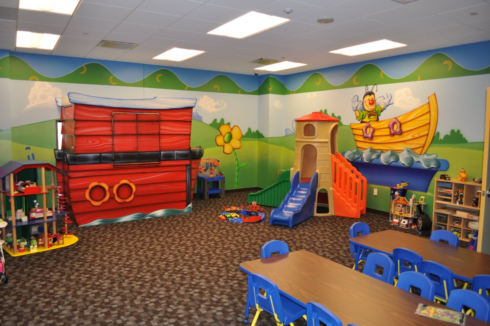 Decorating childrens church room joy studio design for Church mural ideas